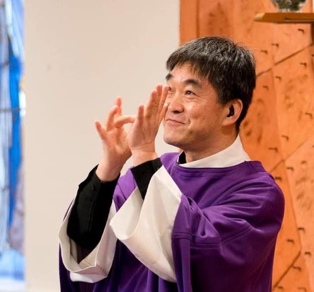 Deaf Priest Has a Special Ministry