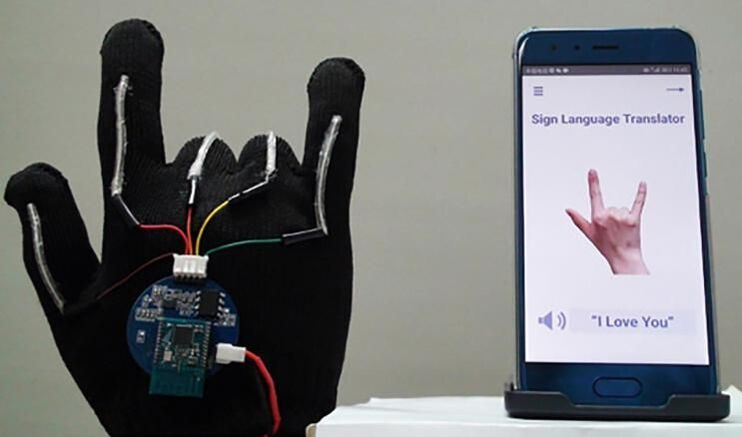 UCLA Scientists Develop High-Tech Glove to Translate ASL into Text
